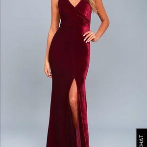Crushin it' burgundy velvet maxi dress